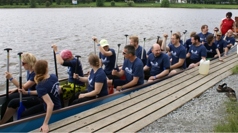 dragon boat team