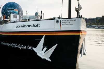 MS Wissenschaft in the Year of Science 2016*17 ›Seas and Oceans‹; Photo: Ilja Hendel / Wissenschaft im Dialog