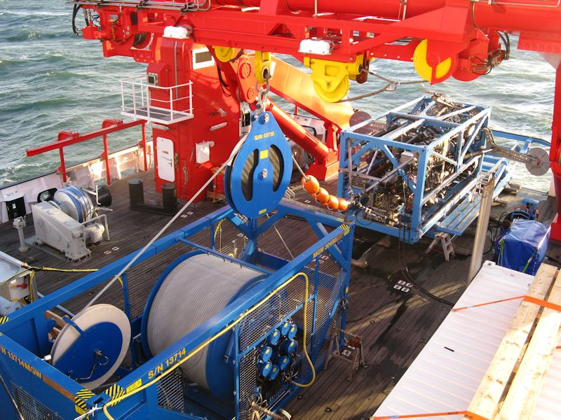 Deck arrangement of LARS and winch on RV SONNE
