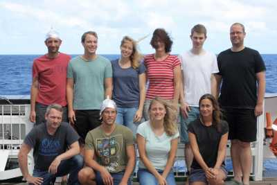 The fluid-chemistry team during SO263. Upper row, from left: Patrick Monien, David Ernst, Charlotte Kleint, Britta Planer-Friedrich, Christian Peters, Ingo Meyerhoff. Lower row, left to right: Stefan Sopke, Alexander Diehl, Annika Moje, Frederike Wilckens. Photo: S. Krumm, FAU